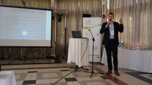 """1 184 300x169 - Konferencja """"Wpływ funduszy unijnych na rozwój lokalny ze szczególnym uwzględnieniem integrowanych inwestycji terytorialnych"""" zorganizowana przez Biuro Stowarzyszenia Aglomeracja Kalisko-Ostrowska."""