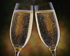szampan 300x241 - Spotkanie Noworoczne - Starostwo Powiatowe w Kaliszu