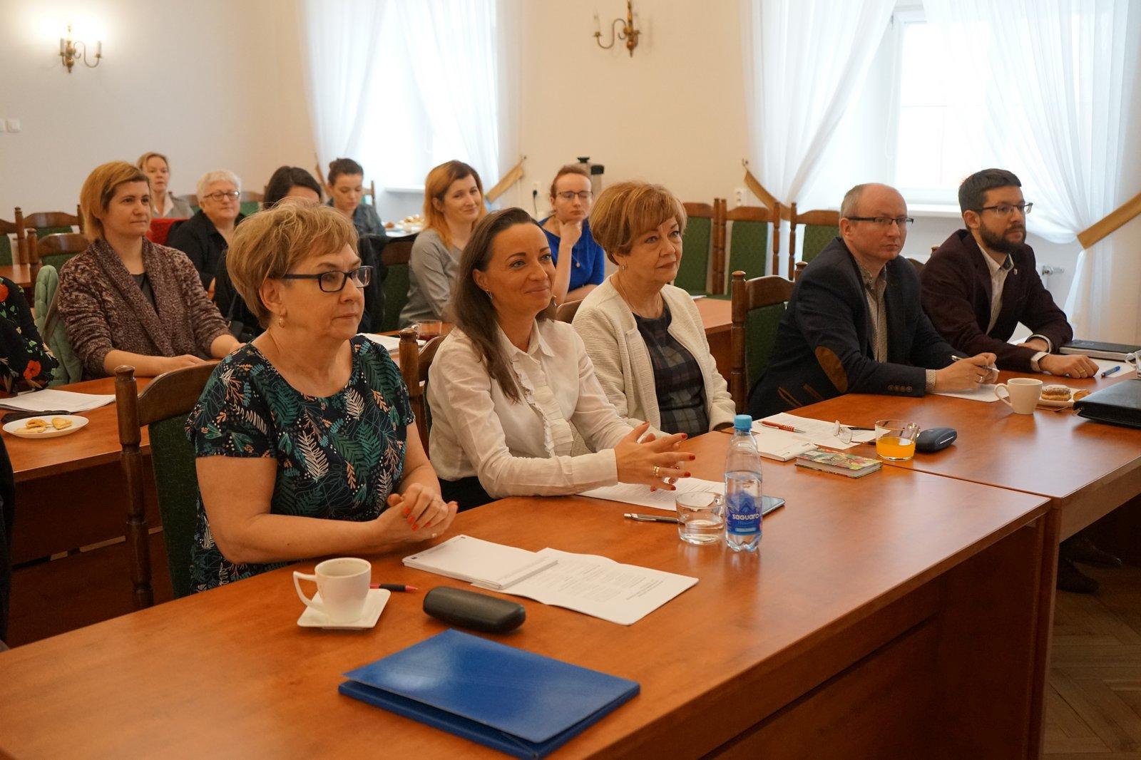 """O pracy i wolontariacie Seniorów. Kolejne spotkanie ws. certyfikatu WHO oraz w celu opracowania """"Polityki Senioralnej w Aglomeracji Kalisko-Ostrowskiej"""""""