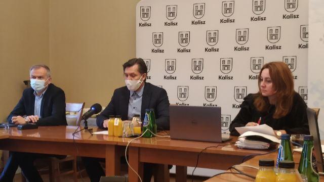 Początek spotkania z udziałem Prezesa Zarządu Stowarzyszenia Krystiana Kinastowskiego oraz Dyrektor Biura Ewy Milewskiej
